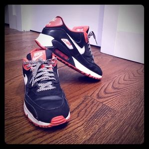 Nike Air Max 90 womens running shoes